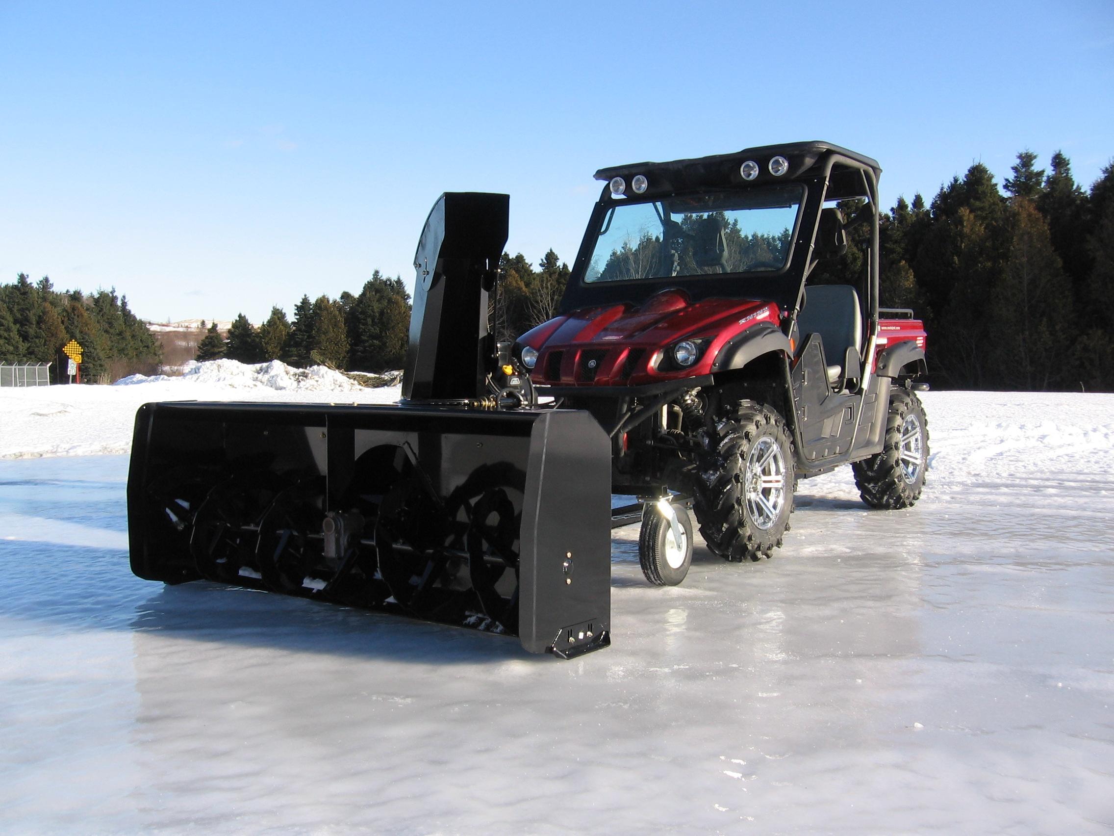 """BERCOMAC profesionální sněžná fréza 72"""" (183 cm) Honda motor 22HP"""